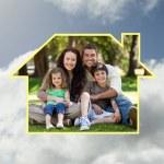šťastná rodina, posezení v zahradě — Stockfoto #62502159