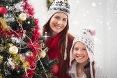 母亲和女儿装饰树 — 图库照片