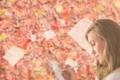 Pretty blonde relaxing — Stock Photo