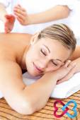 Attractive woman receiving a tapping massage — Foto Stock