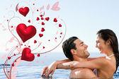 Пара, охватывающей в бассейне — Стоковое фото