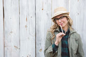 Blonde in hat posing — Stok fotoğraf