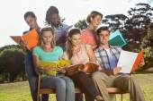 Students studying outside on campus — Stock Photo