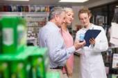 Ses clients et les pharmacien — Photo