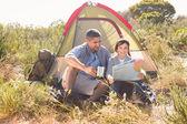 彼らのテントで父と子 — ストック写真