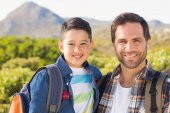 Father and son on a hike together — Stock Photo