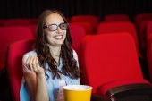 Young woman watching a 3d film — Stock Photo