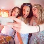 Friends on road trip taking selfie — Stock Photo #69004809