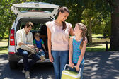 Happy family getting ready for road trip — Stock Photo