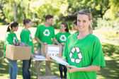 Glücklich Umweltaktivisten im park — Stockfoto