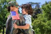 Soldier reunited with her son — Stock Photo
