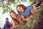 Hipster couple smiling at camera — Foto Stock