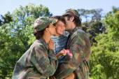 Army parents reunited with their son — Stockfoto