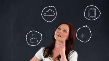 女商人思考应用程序 — 图库视频影像