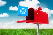 Složený obraz červená e-mailové schránky — Stock fotografie