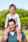 Padre e figlia che si diverte — Foto Stock