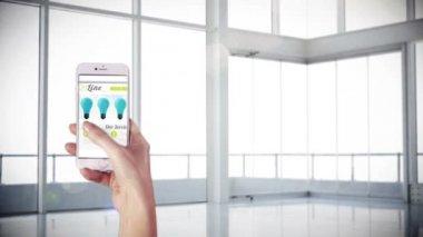 Ręcznie za pomocą aplikacji na smartphone — Wideo stockowe