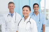 Kendine güvenen doktorlar — Stok fotoğraf