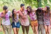 Glückliche Freunde in Pulver-Lack behandelt — Stockfoto