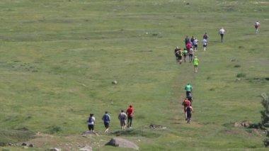 Maratona de montanha para a saúde — Vídeo stock