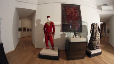 Ottoman era costumes. Dolly shot. — Stock Video