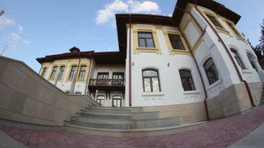 Edificio antiguo de dobrogea, rumania — Vídeo de Stock