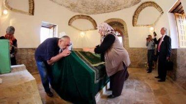 Ancient tomb of Sari Saltik Baba — Stock Video
