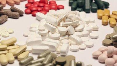 Rotating pile of pills — Stock Video