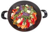 Legumes e ervas em pan isolado no fundo branco — Fotografia Stock