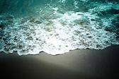 Onda del mar en la playa de arena suave — Foto de Stock