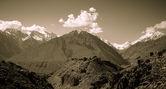 Moln över berget Pamir. Tadzjikistan. Tonas — Stockfoto