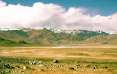 Valley in the foothills of the Fann mountains. Landscape. Toned — Fotografia Stock