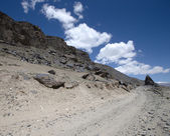 Tajikistan. Pamir highway. Road to the clouds. — Stock fotografie