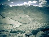 Tajikistan. View from the Pamir Highway on the river Panj and th — Fotografia Stock
