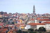 Clear day in the city of Porto. Old Town. Red tiled roofs of old — Photo