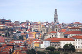 Clear day in the city of Porto. Old Town. Red tiled roofs of old — Foto Stock