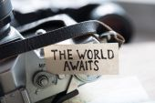 Text The World Awaits — Stock Photo