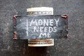 Pieniędzy potrzebuje mnie koncepcja. — Zdjęcie stockowe