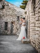 Wedding shot of bride and groom — Stock Photo