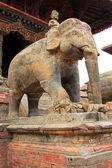 A large stone elephant guarding the Shiva Temple — Stock Photo