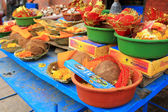 Bowls of religious offerings at Kumbeshwar Temple in Patan, Nepal — Stock Photo