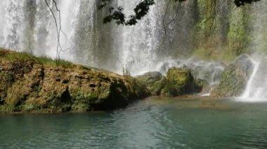 Wasserfall — Stockvideo