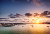 Sunrise over Burzebbuga bay in Malta — ストック写真