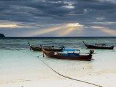 Cloudy morning at  sea — Stock Photo