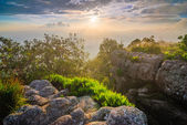 Sunset at mountain peak, Phu Hin Rong Kla National Park, Thailan — Stock Photo