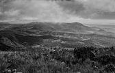Montes nublados — Stock Photo