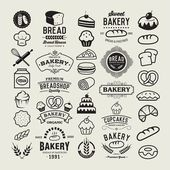 Bakery logotypes set. Bakery vintage design elements, logos, badges, labels, icons and objects — Stock Vector