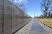 Vietnam War Memorial with Lincoln Memorial in Background — Stock Photo