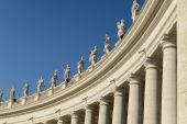 Sculptures of saints in Vatican, Rome, Italy — Stock Photo