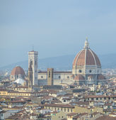Cityscape of Florence, Italy, with the Cathedral and bell tower — Stock Photo